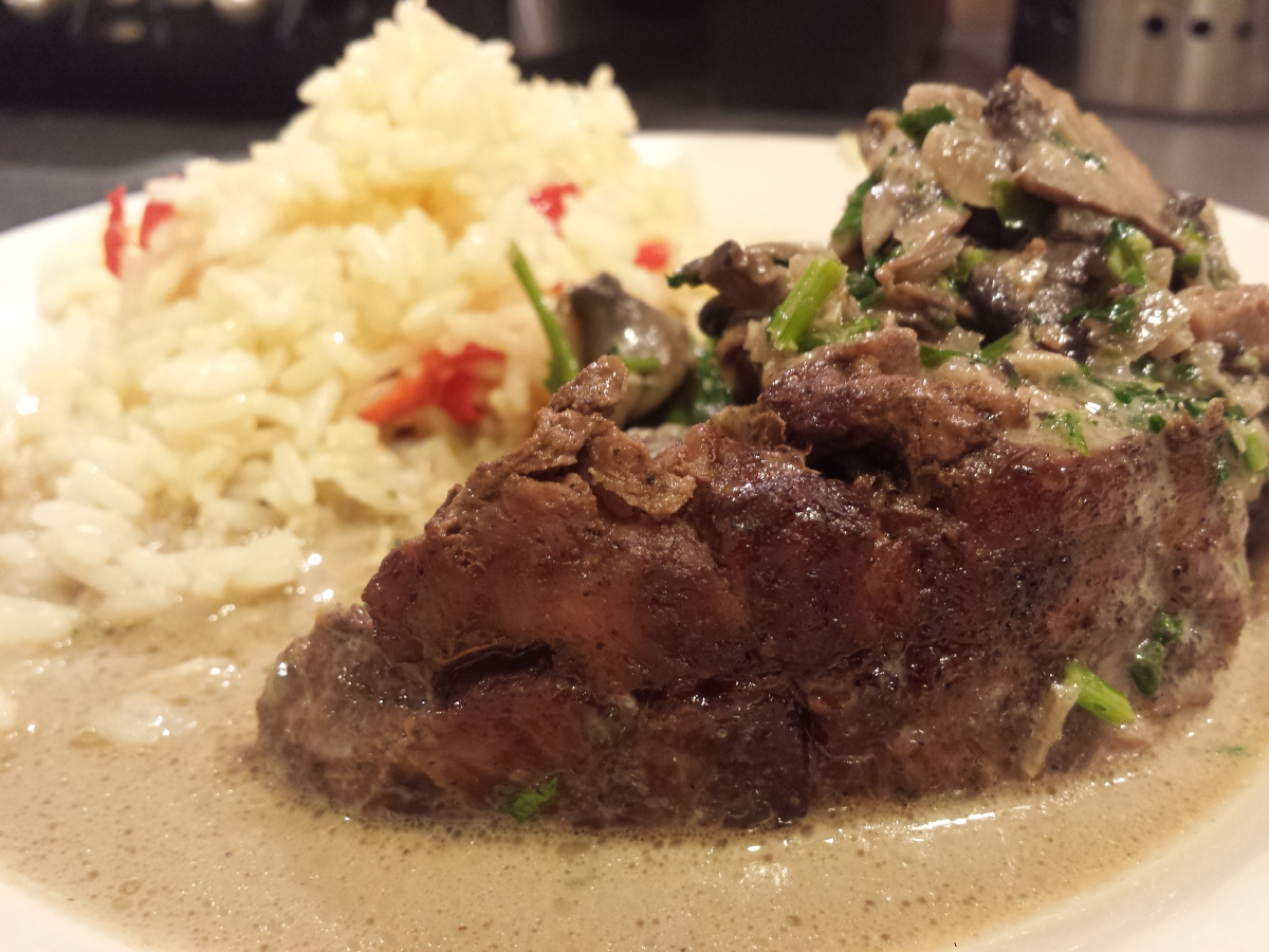 Lamb with mushroom sauce